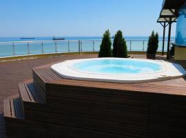 Albizia Beach Hotel, отель в Варне