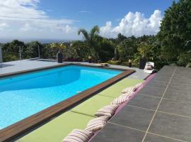 Bungalow Premium Tahiti, guest house in Punaauia