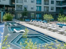 StayLo Austin 2 Bedroom Suites, vacation rental in Austin