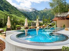 Hotel Alpenhof, hotel in Tux