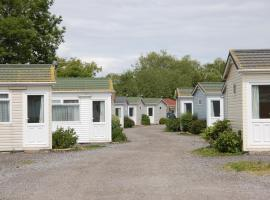 Warrens Village Motel and Self Catering, hotel in Clevedon