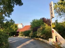 Logis La Belle Poule, accessible hotel in Rochefort