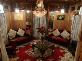 House Boat Hardy Palace, boat in Srinagar