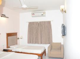 Sai Towers, hotel in Puttaparthi