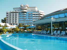 Chernomorie Health Resort, hotel with jacuzzis in Sochi