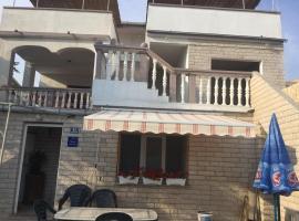 Apartments Puntica, family hotel in Metajna