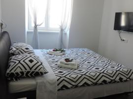 Guest house Ivan, B&B in Šibenik