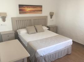 Hotel Almadrabeta, hotel cerca de Playa de Bolonia, Zahara de los Atunes