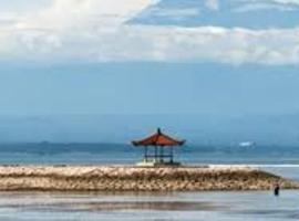 Laghawa Beach Hotel & Villa, hotel near Batu Jimbar Café, Sanur
