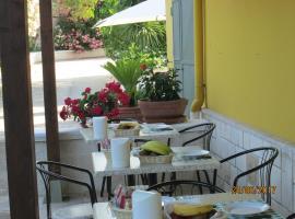 Hotel Tropical, hotel a Ostuni