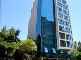 L Plaza Hotel, hotel in Tbilisi