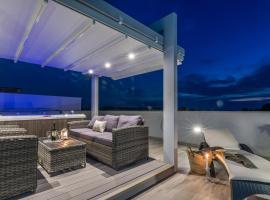 Apartments Sun Resort Nikolina, budget hotel in Bibinje