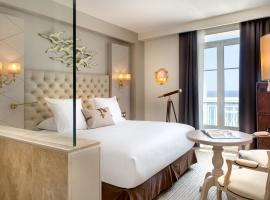 Grand Hotel Des Sablettes Plage, Curio Collection By Hilton、ラ・セーヌ・シュル・メールのホテル