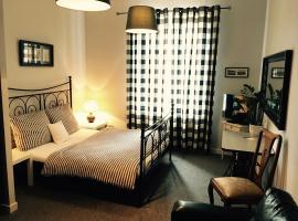 Hostel Subtella, hotel near Poznań Palm House, Poznań