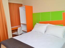Titanium Express HomTel, hotel near Taman Mini Indonesia Indah, Jakarta