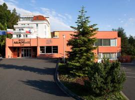 Hotel Akademie, hotel in Chocerady