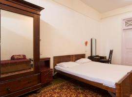 Bed and Breakfast at Colaba, B&B in Mumbai