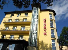 Hotel Henryk, hotel in Krynica Zdrój