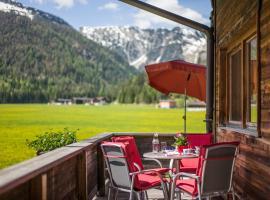 Haus Karoline, pet-friendly hotel in Achenkirch