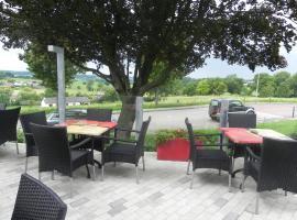 Hotel - Restaurant Uit De Kunst, hotel near Wittem Castle, Vijlen