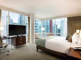 Coast Coal Harbour Vancouver Hotel by APA, hotel in Vancouver