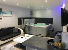 Appart&Spa, hotel with jacuzzis in Toulouse