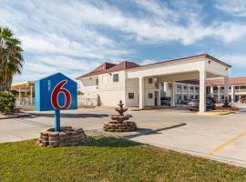 Motel 6-San Marcos, TX - North, hotel in San Marcos