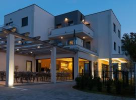 Aparthotel Punta Blu, romantic hotel in Premantura