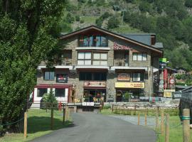 Apartaments Sant Moritz, hotel near Arinsal-Pal, Arinsal