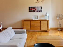 Un Joli Pied a Terre, self catering accommodation in Montignac