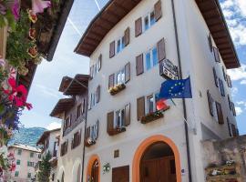 Garni Castel Ferari, מלון בטואנו