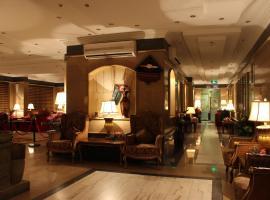 Abha Crown Hotel، فندق في أبها