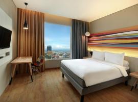 Ibis Styles Makassar Sam Ratulangi, hotel dekat Pantai Losari, Makassar
