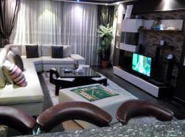 Hamdy 5 Star (Families Only)، فندق بالقرب من سيتي ستارز، القاهرة