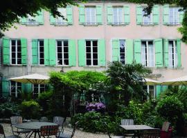 Maison de Fogasses : Luxury Apartments, boutique hotel in Avignon