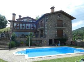 Apartaments El Tossalet, hotel in Bonansa