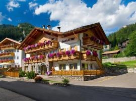 Hotel Al Viel B&B, hotel a Canazei