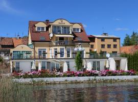 Villa Le Lux – obiekt B&B w mieście Mikołajki