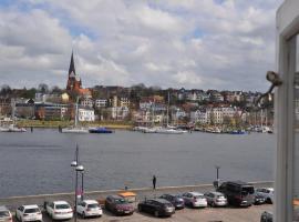 Hafenblick vom Kapitänshaus, hotel i nærheden af Flensborg Havn, Flensborg