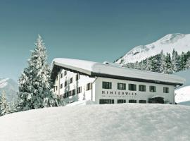 Hinterwies – Ski In / Lodge / Dine, hotel in Lech am Arlberg