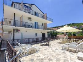Apartments and Rooms Iva, hotel in Trogir