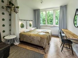 Irysowy Premium Hostel, розміщення в сім'ї у Варшаві