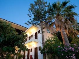 Ξενοδοχείο Φοινικούντα, ξενοδοχείο στη Φοινικούντα