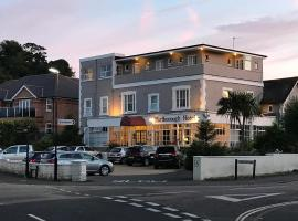Marlborough Hotel, hotel near Dinosaur Isle, Shanklin