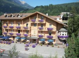 Hotel Vallechiara, hotel a Moena