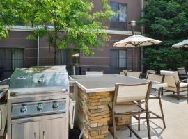 Homewood Suites by Hilton Fresno, hotel in Fresno