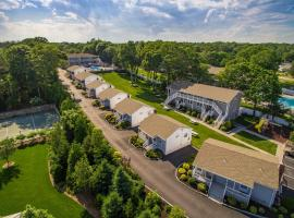 Colonial Shores Resort, family hotel in Hampton Bays
