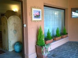 Residenza Camelia Montecampione, hotel in zona Montecampione Resort, Artogne