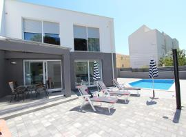 Apartment Karlo 2, hotel with pools in Rovinj