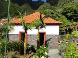 Casa da Ribeira, hotel in São Vicente